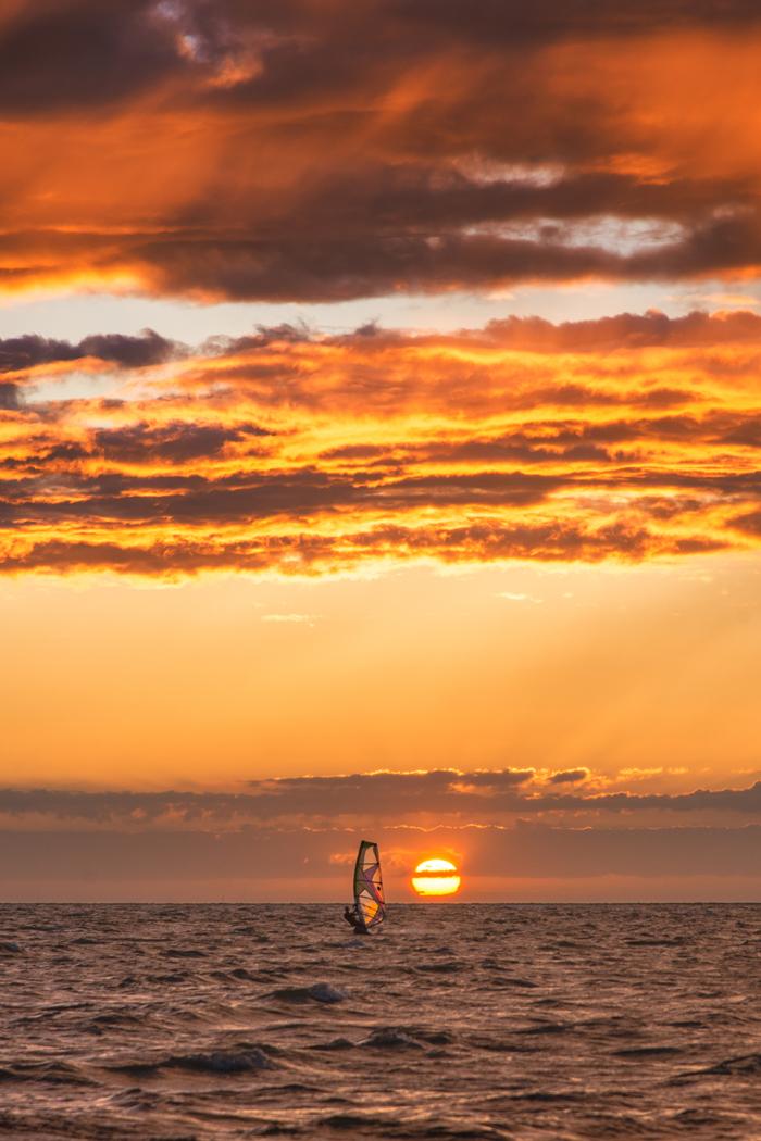 Sonnenuntergang_Windsurfing